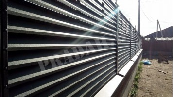 Как спланировать и построить забор-жалюзи
